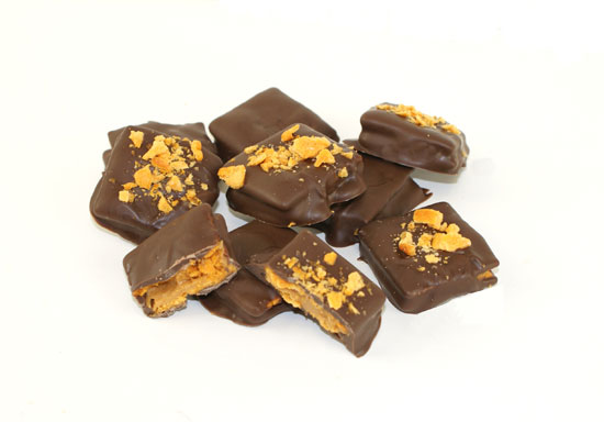 3 Ingredient Homemade Butterfingers - @candiquik