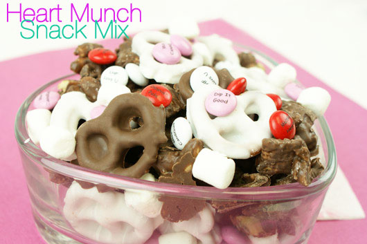 Heart Munch Snack mix - blog.candiquik.com