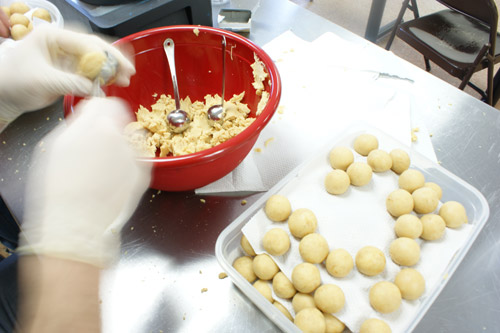 Behind the Scenes: 2000 Cake Balls!