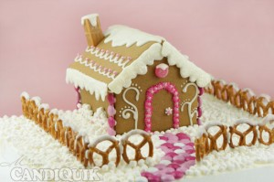 Pink Gingerbread House - by Miss Candiquik