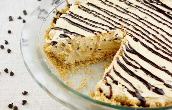 Skinny Peanut Butter Chocolate Chip Cheesecake