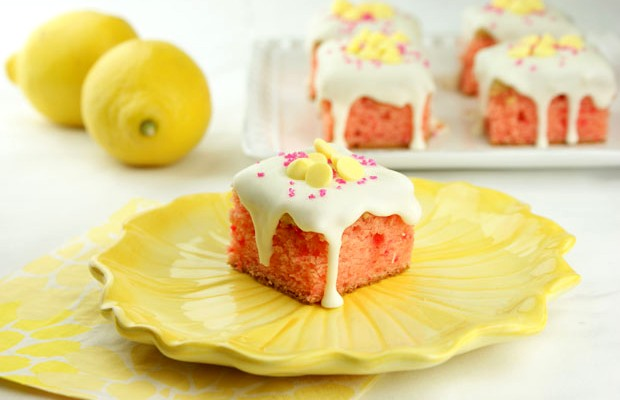 Strawberry Lemon Truffle Cakes | Miss CandiQuik