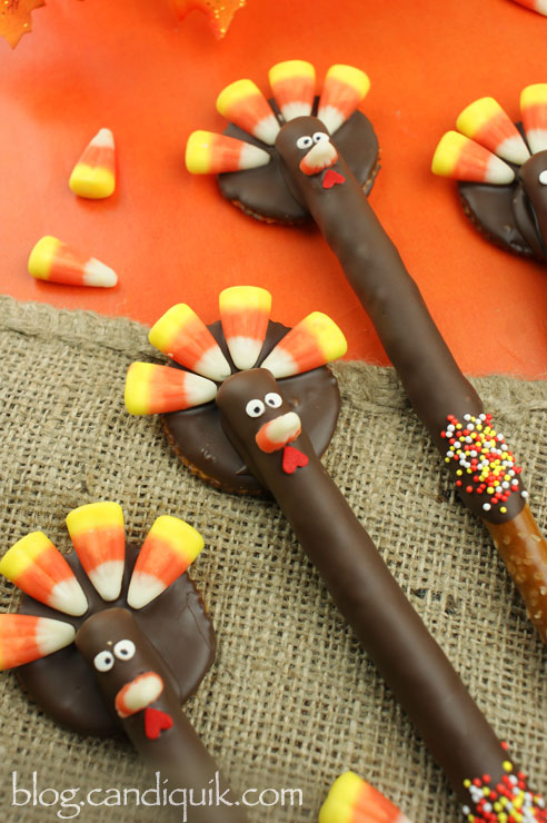 Turkey Pretzel Rods - @candiquik