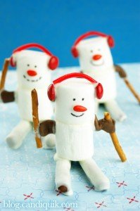 Marshmallow Olympic Skiers - blog.candiquik.com