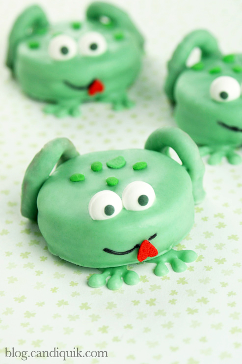 Frog Cookies by Miss Candiquik | blog.candiquik.com